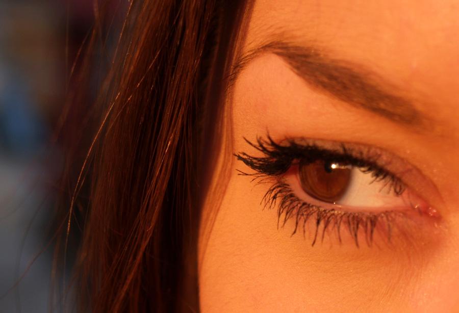 Смотреть картинки глаза карие у девушек