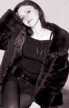 А ведь девочка была когда-то счастлива... Ирена Скворцова)(стихи Okrop2008