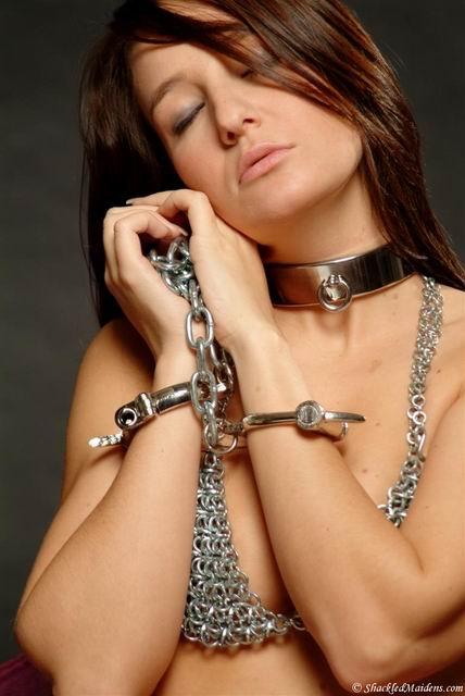 Цепи рабыня