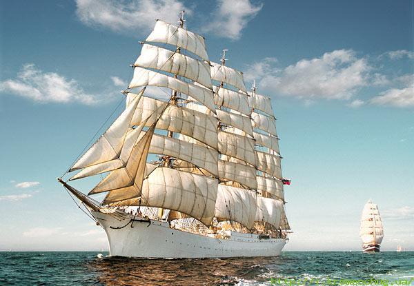 Парусник и пароход
