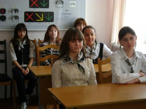 одноклассница в юбочке
