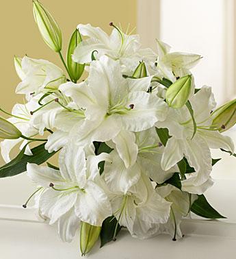 Белой лилии букет
