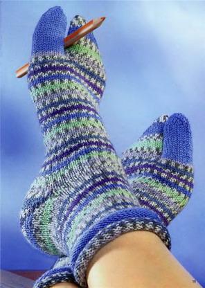 Нарисуй носки о которых ты мечтаешь- именные или с