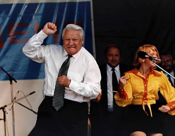 Пока Россия не осудит Ельцина, о «русском мире» говорить бессмысленно — Э. Лимонов