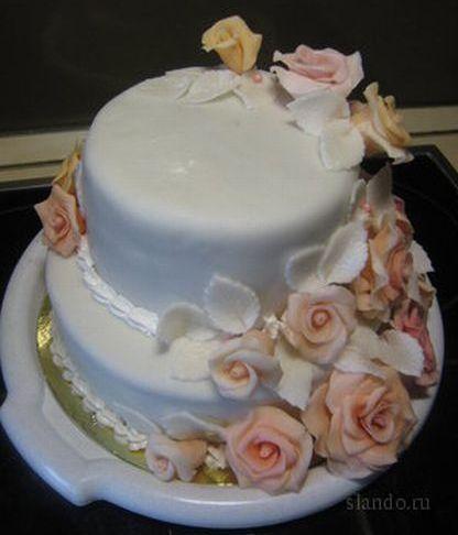 Двухъярусный торт с мастикой