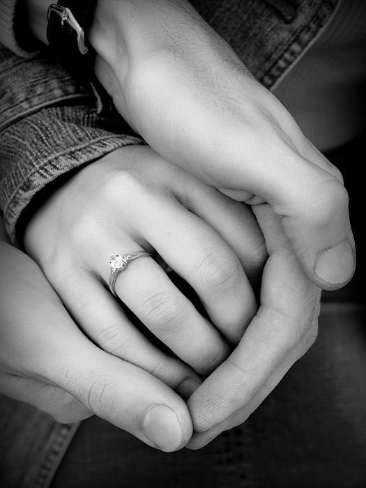 Руки влюбленных (Неля Сулейманова ...: www.stihi.ru/2010/12/11/2025