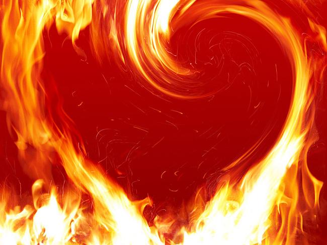 фото сердце в огне