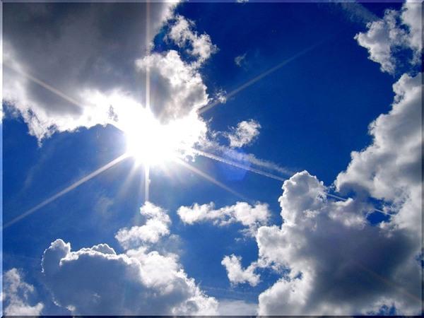 Пляшут в небе облака