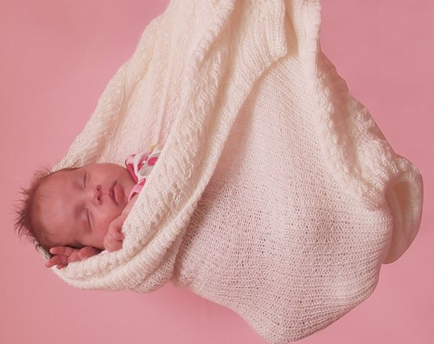 стихи знакомому с рождением внучки