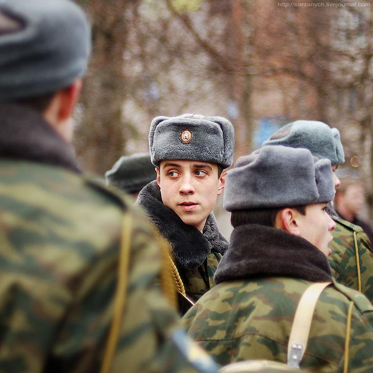 Два года назад 21-летний денис макаров проходил военную службу по