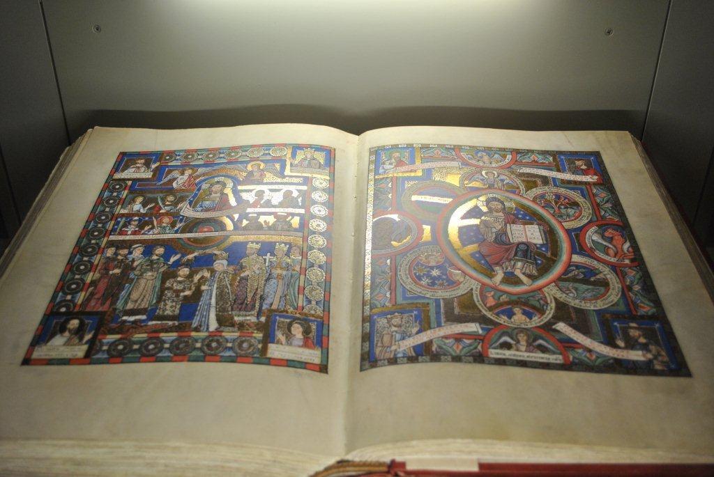 Картинки по запросу Евангелие Генриха Льва, 1188 год