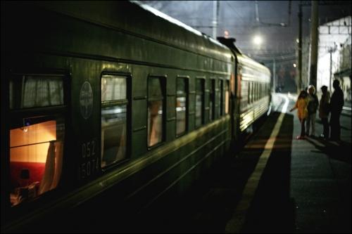 Скачивание изображения: перрон, вечер, поезд 394135 / разрешение: original / раздел: аниме / hallpicru