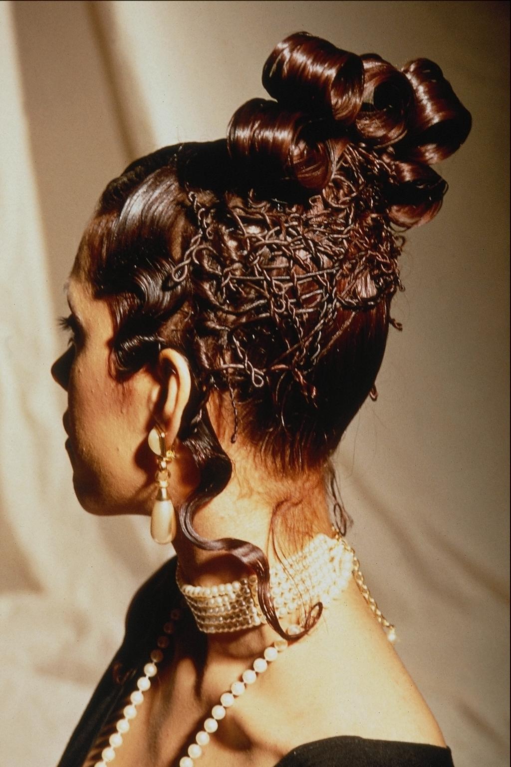 Необычные прически для длинных волос фото