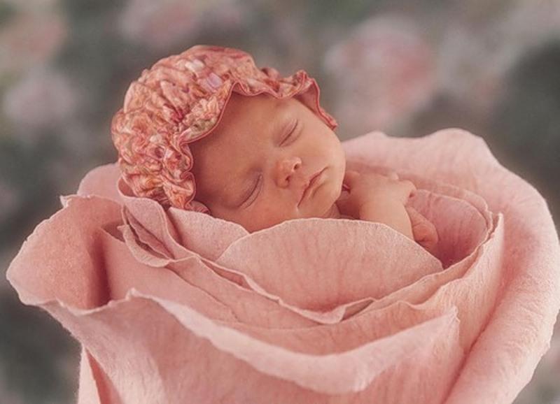 Фото младенцев цветы