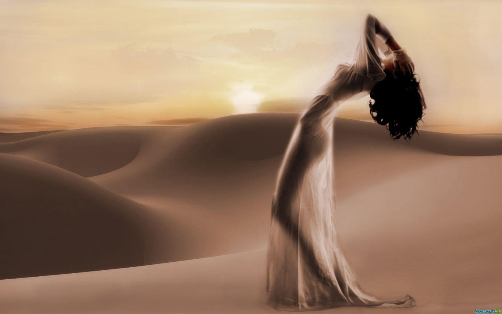 Фото девушки в пустыне фото 128-399
