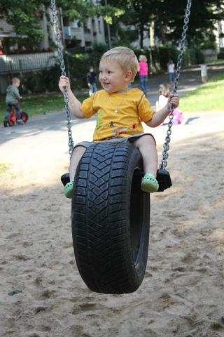 Как сделать качели из колеса фото