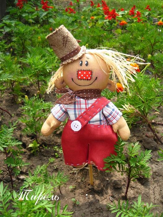 Сделать своими руками чучело для огорода своими руками
