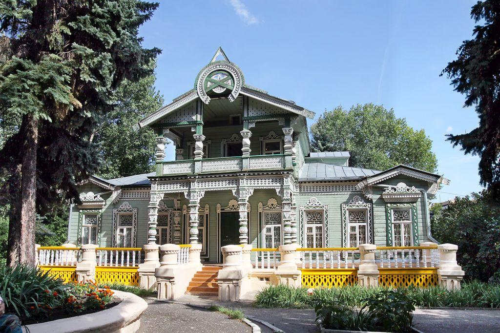 Дом огромный с мезониной фото 252-815