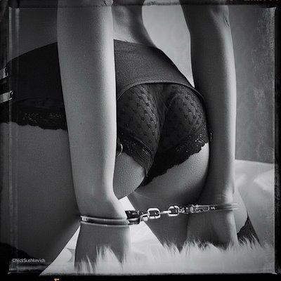 Страсть с наручниками