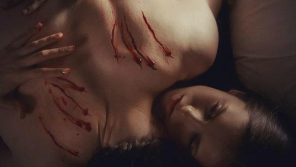 elena-s-dnevnikov-vampira-golaya