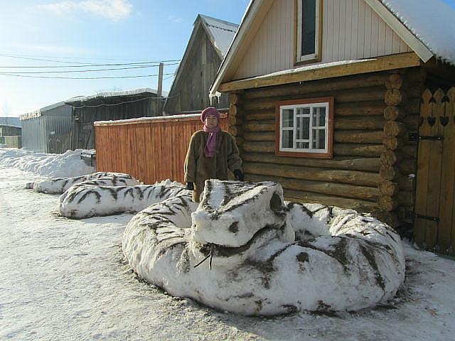 Как сделать змею из снега
