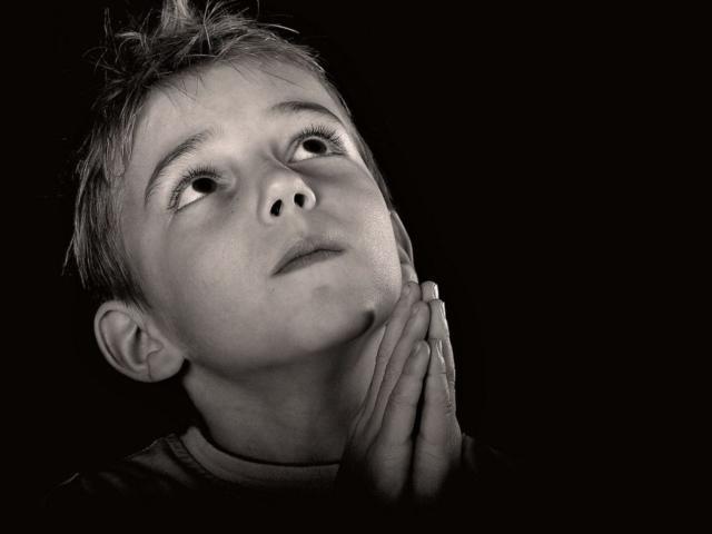 """Предпросмотр схемы вышивки  """"Молящийся ребенок """".  Молящийся ребенок, молитва, бог, руки, дети."""