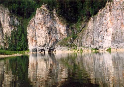 Россия, урал, рчусовая, скала камень олений, сентябрь 2007, пейзаж, горы, лес, осень, река, скалы