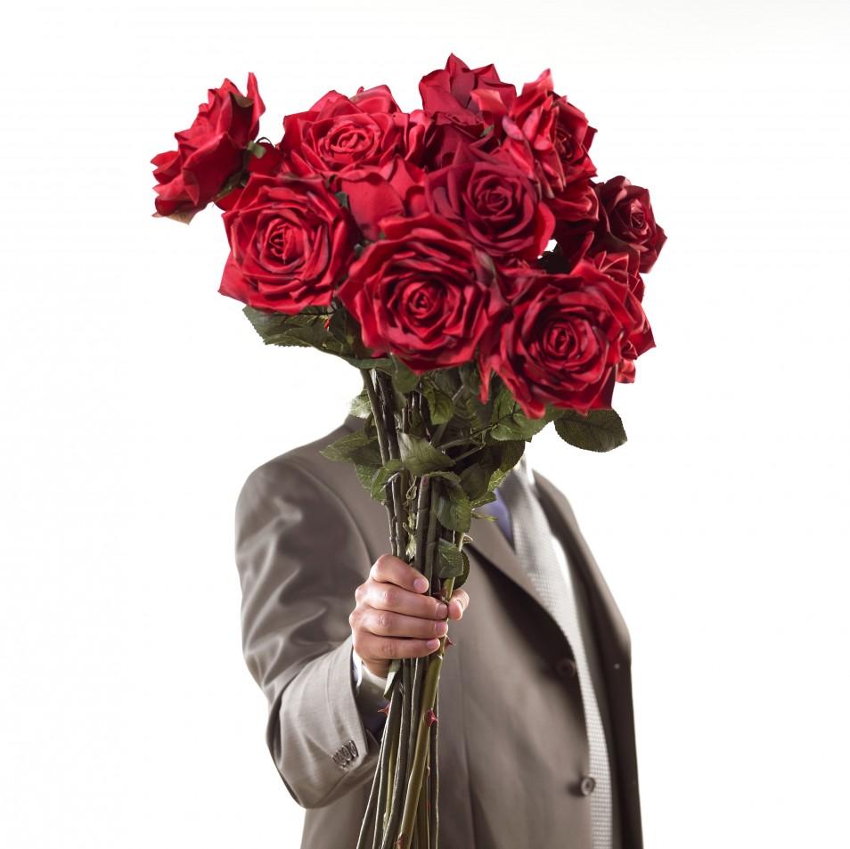 Красивые фото мужчин с цветами
