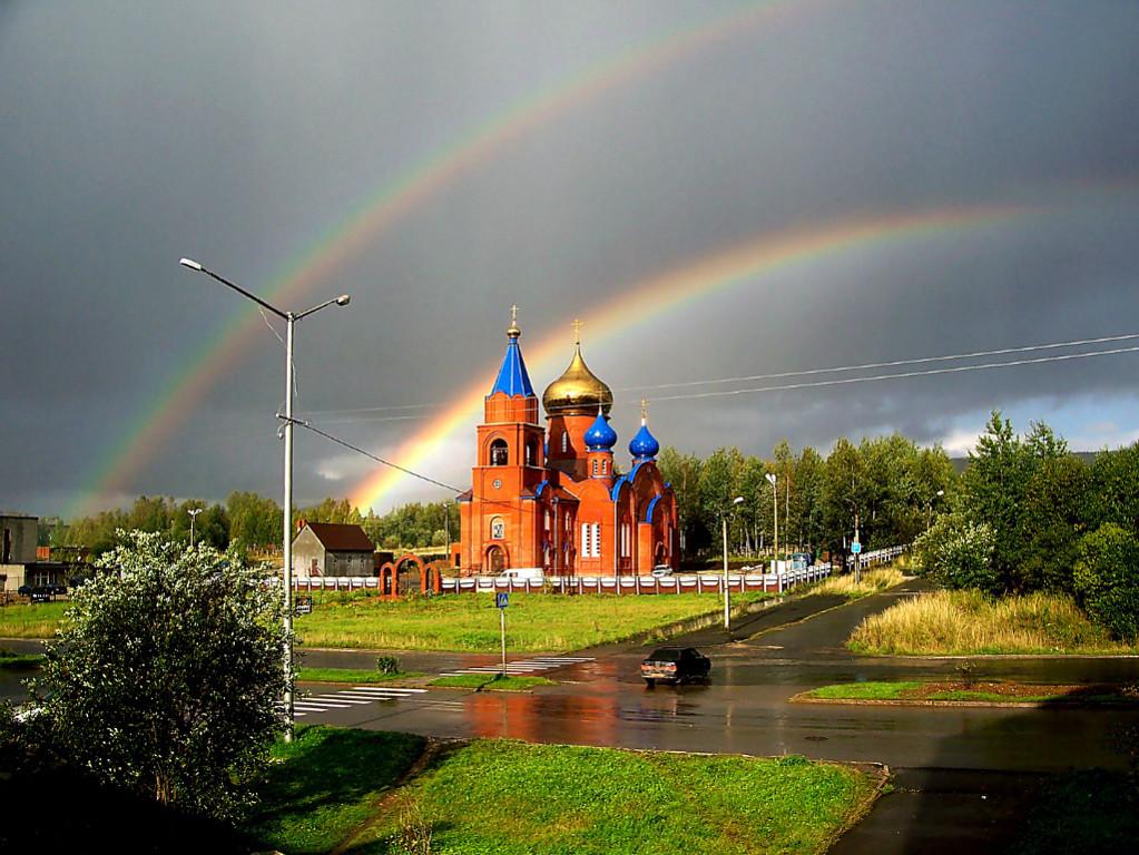 красивые картинки с церквями и радугой свойство придает кровле