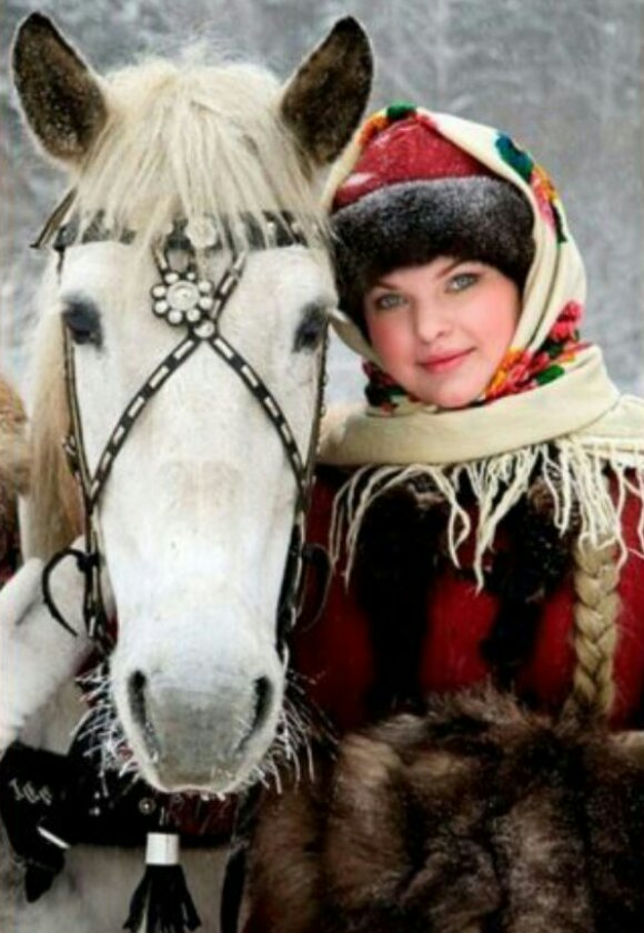 есть женщины в русских селеньях некрасова: