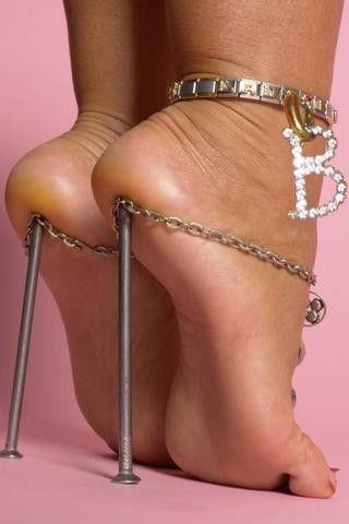 ff2f6d228 Богиня на высоких каблуках... (Михаил Кривов) / Стихи.ру