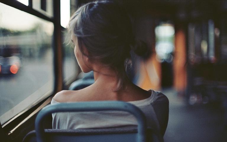 девушка в автобусе увидела как у меня встал