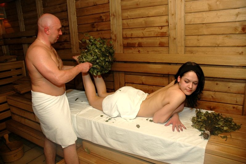 Женщины в бане с мущинами