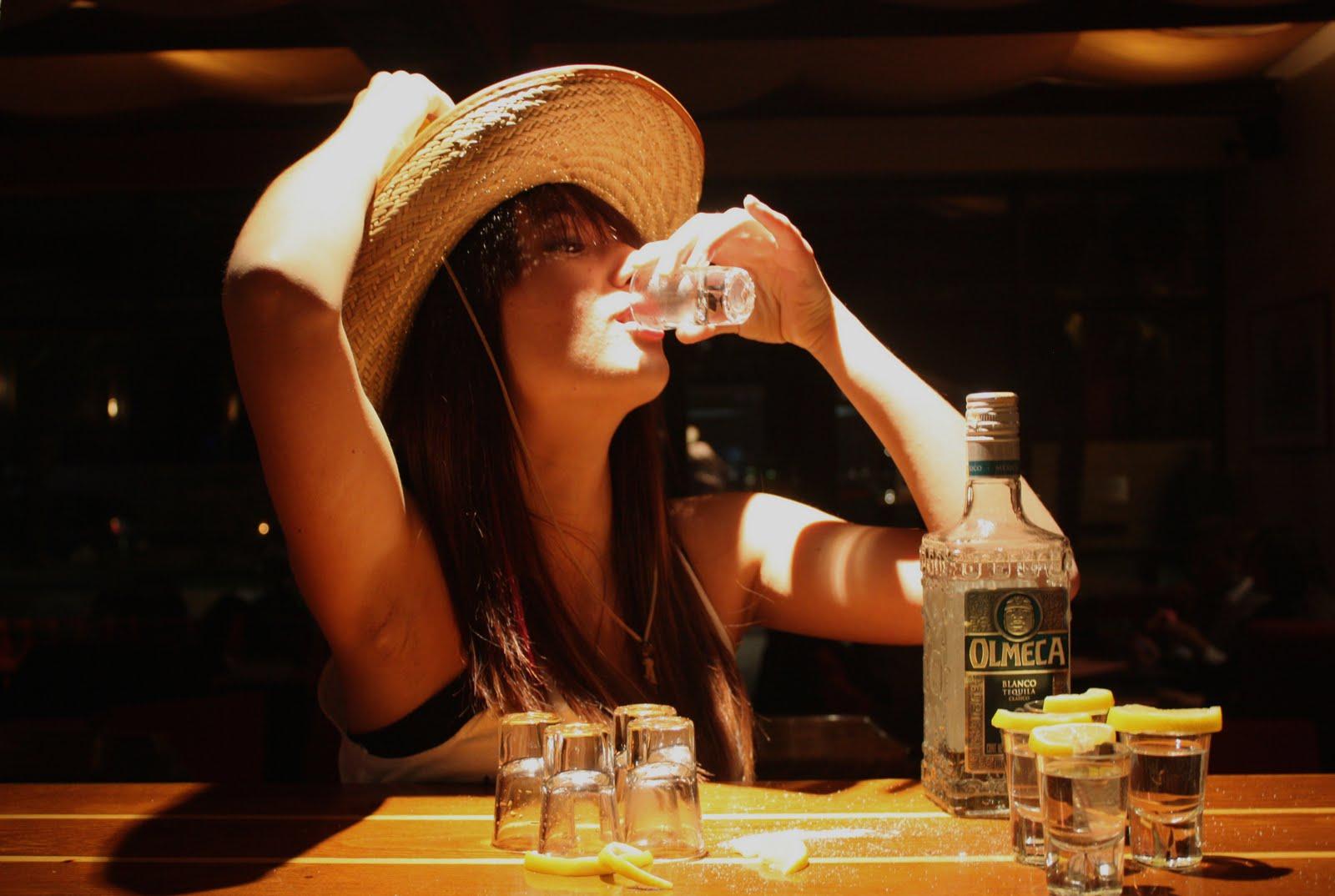 Понимаю, текила лизнуть выпить и соснуть верю