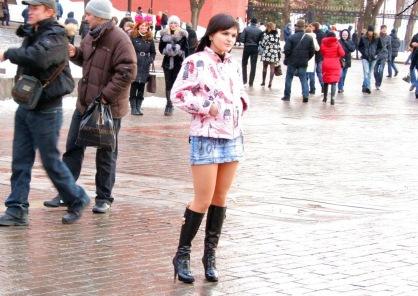 Девушки в сапогах и коротких юбках фото