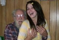 старый дед и молодую