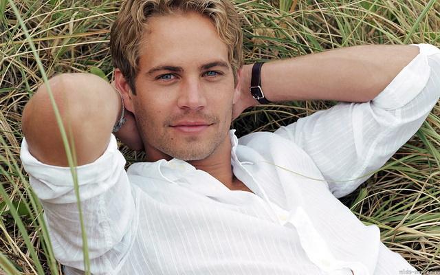 фото блондин с голубыми глазами