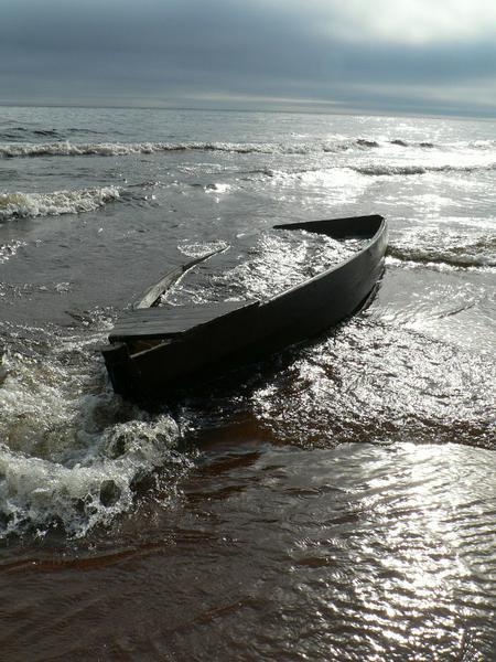 Лодка всплыла рядом с