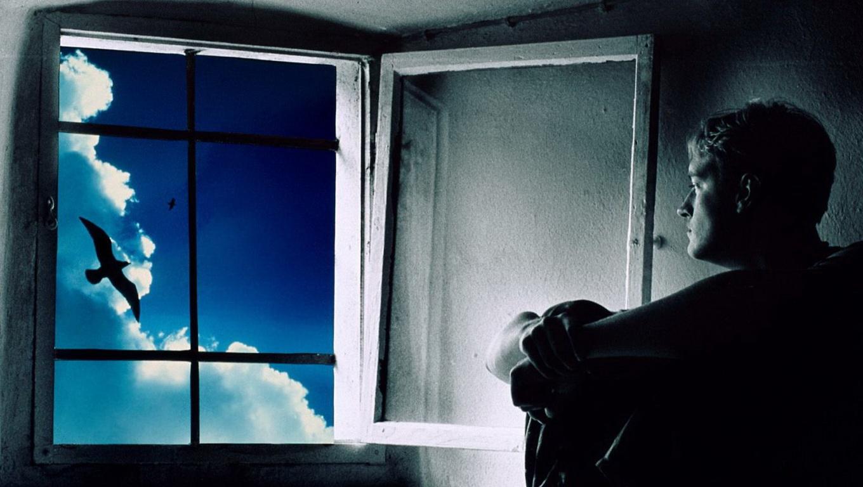 Фото мужик у окна 28 фотография
