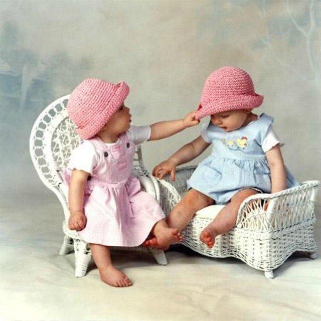 Картинки днем, открытка близнецы
