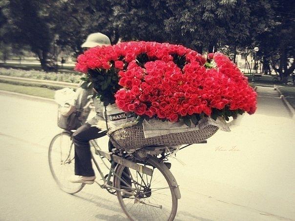 Подарить охапку роз