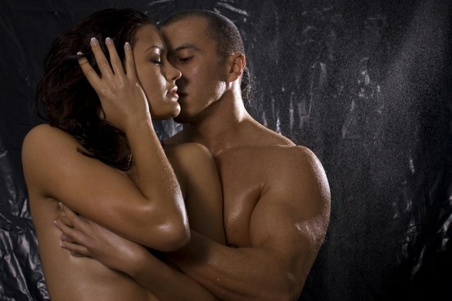 обнаженные влюбленные женщины фото