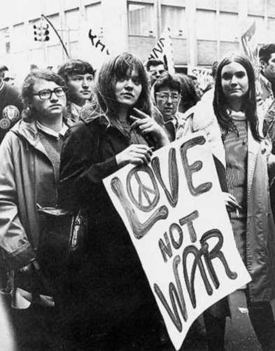 the protests of american people against wars America's involvement in vietnam started slowly - only 5,000 soldiers in 1960 so at first, people in the us weren't paying very close attention.
