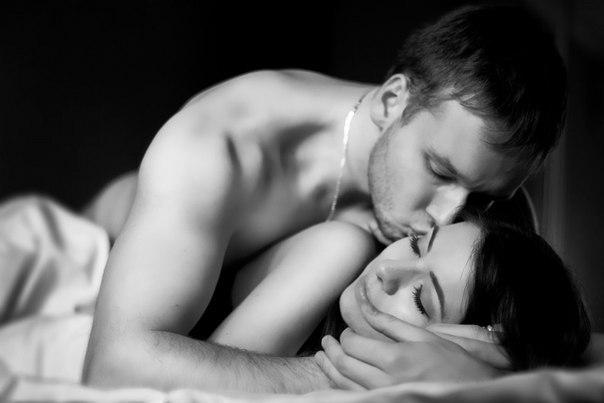 Фото поцелуи в постели