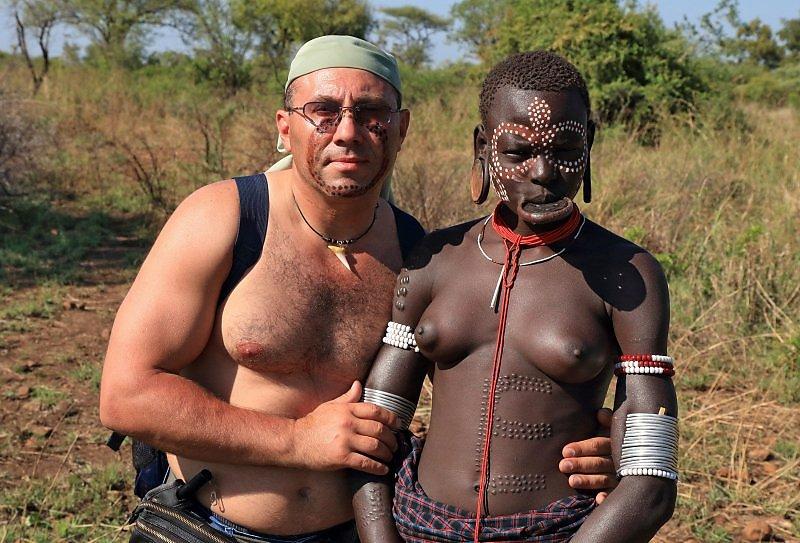 muzh-podruga-aborigeni-trahayut-devku-farkop-richag