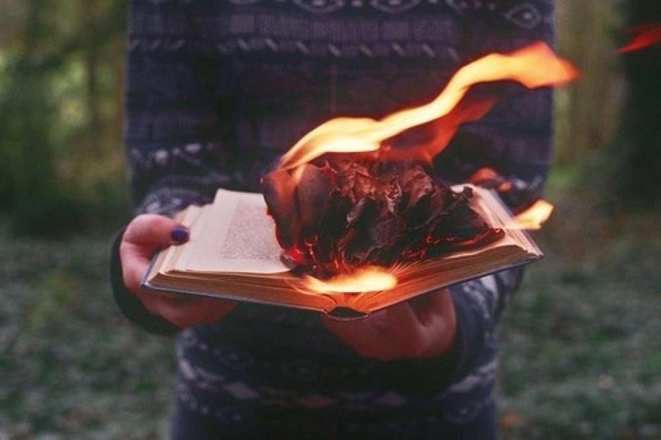 а сердцем знаешь еще горит огонь песня адаптирована для применения