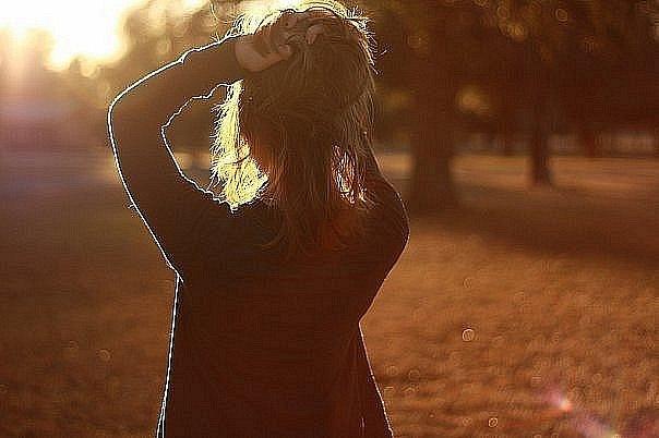 Фото сзади девушки для авы
