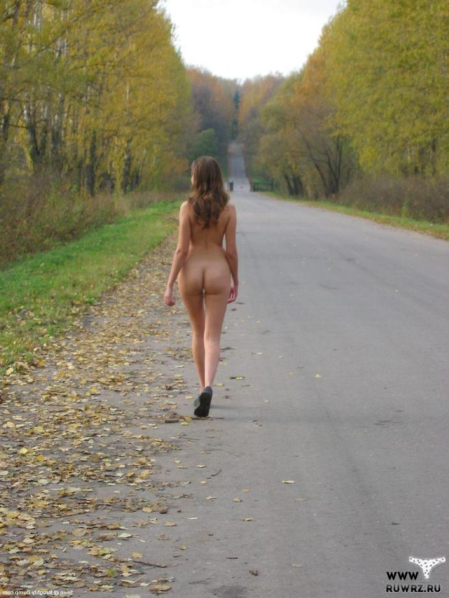 прогулки голых девушек эту галерею добавлено