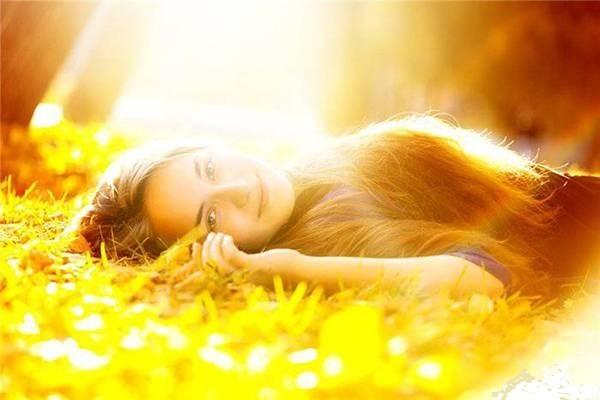 фото солнце девушка