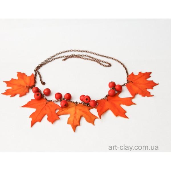 Браслет из листьев